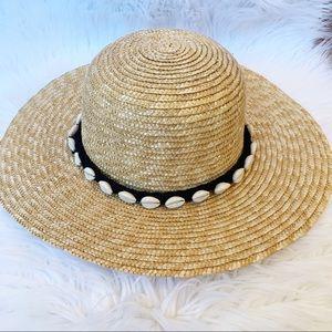 Round Beach Hat with Sea Shell Trim